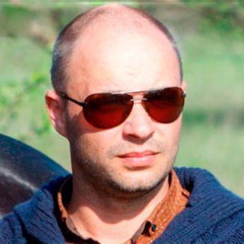 Максим Олександрович